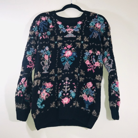 Vintage Sweaters - Vtg. 80s Floral Hand Knit Pullover Sweater - #1209